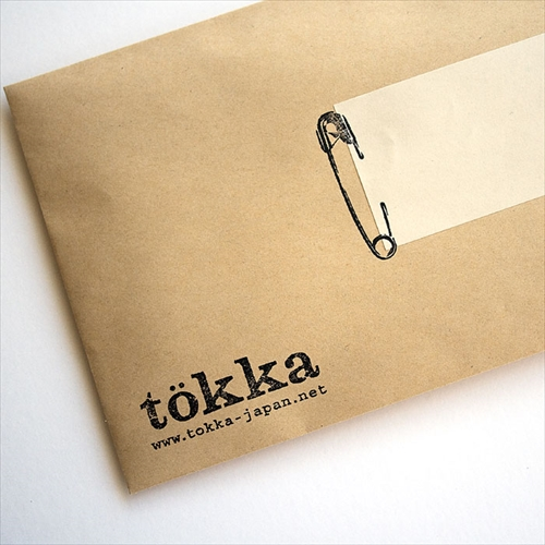 紙を安全ピンで留めちゃおう 安全ピンの形をしたスタンプ「tokka 安全ピンスタンプ」001