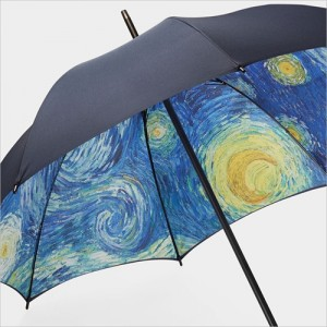 雨の日だけ見れる星月夜「MoMA スターリーナイト アンブレラ」003