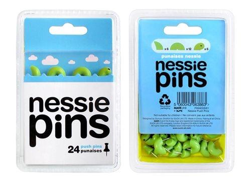 ネッシーがニコニコなお顔をひょっこり「サック UK Nessie プッシュ ピン」001