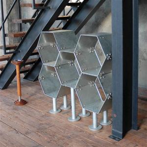金属剥き出しな六角形の無骨なラック「ダルトン エクステンション 'HHP' ラック」002