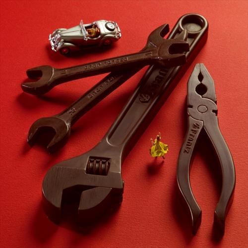 クルマや機械が好きな人にあげたら喜ばれそう「神戸フランツ 工具チョコレート」001
