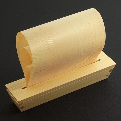 電気などを使わず自然の力をで加湿する ヒノキの木で作られた加湿器「ますや マスト」002