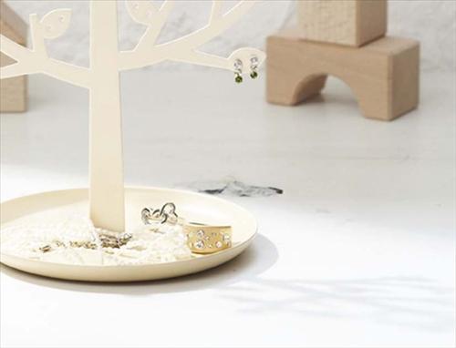 アクセサリーを木に飾ろう「アクセサリースタンドツリー ヤマザキ」001