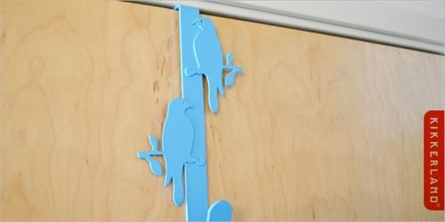青い鳥がデッドスペースを有効活用「Kikkerland バードフック」003