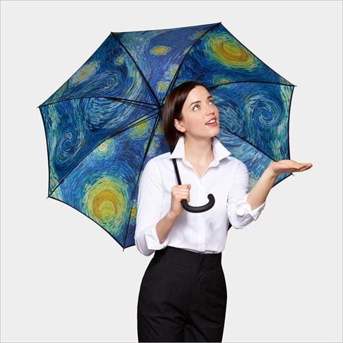 雨の日だけ見れる星月夜「MoMA スターリーナイト アンブレラ」002