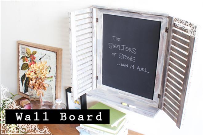 窓のように開け閉めできる黒板 Wall Board001