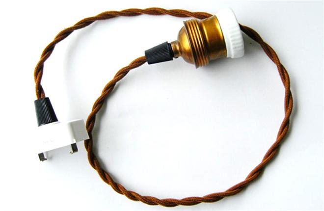 シンプルながらも個性豊かなアンティーク調の電球 EDISON BULB001