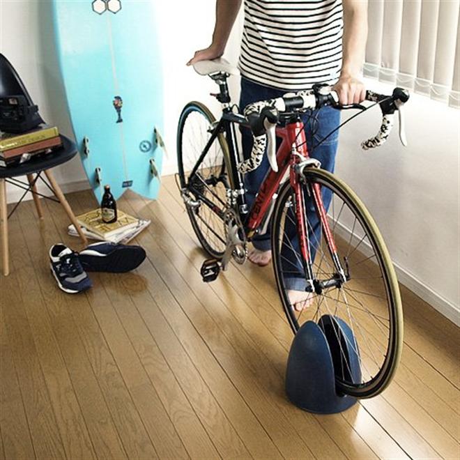 信楽焼の和風な自転車スタンド CACHICOCHI TRIP002