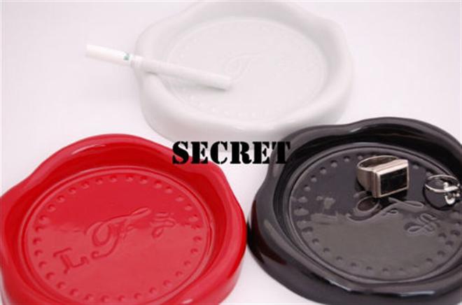 ノスタルジックな雰囲気にさせてくれる封ろうの灰皿 L.F.S SECRET002