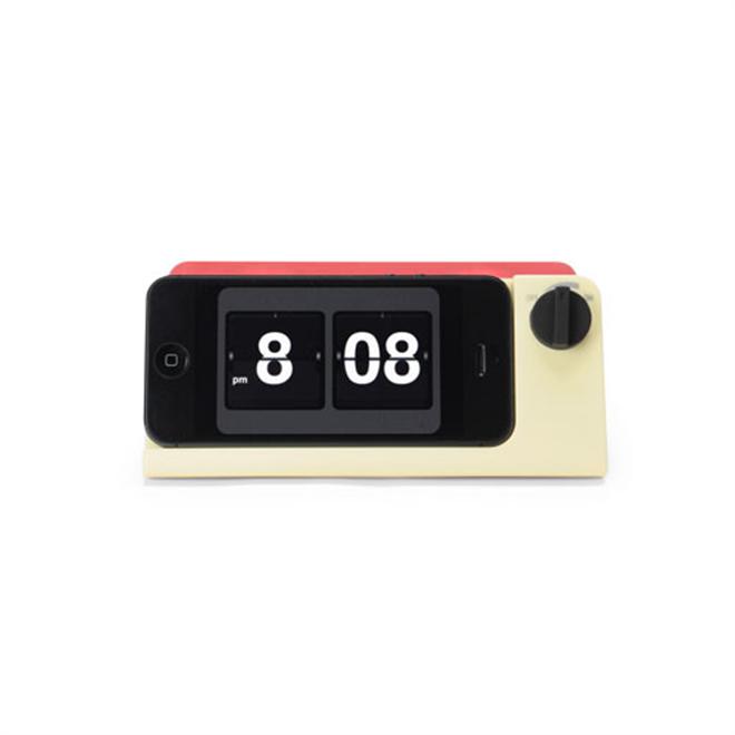 iPhoneがレトロな時計に変身 Retro Touch Speaker002