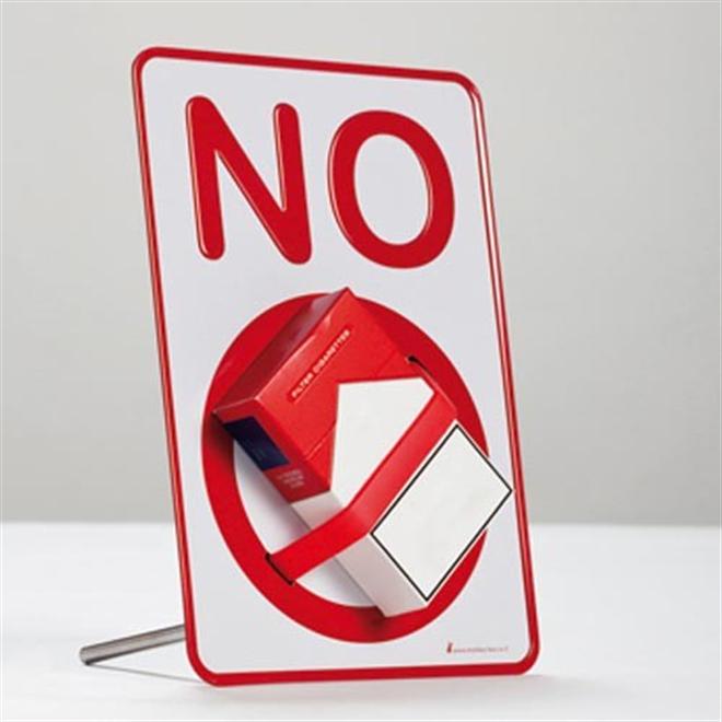 実物を封印しちゃう注意喚起の小さい標識 NO SIGN Desktop holder a message002