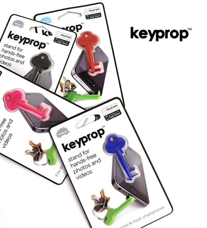 カギみたいだけど実はスマートフォンスタンド  Keyprop002