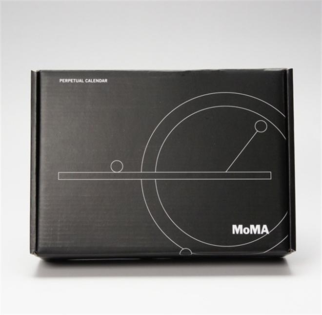 磁石で浮く球と円のカレンダー MoMA Perpetual Calendar003