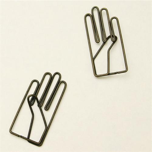 右手が「やぁ!」と手を挙げているクリップ 月光荘画材店 右手クリップ003