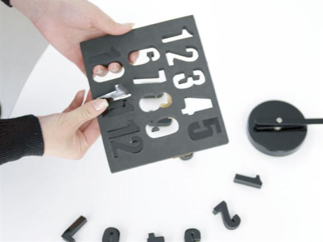 文字盤を自由に配置できる壁に貼り付ける時計 SEPARATE CLOCK MINI003