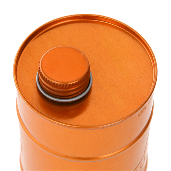 中に入るのは機械油じゃなくてオリーブオイル ドラム缶そっくりなオイルポットoli&co003