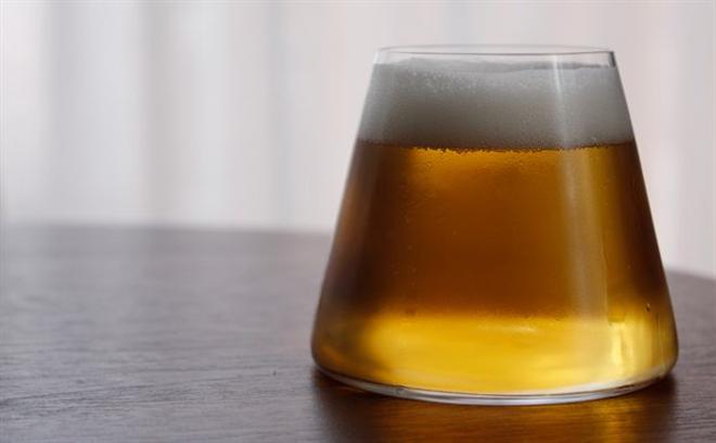 ビールを注げば富士山が FUJIYAMA GLASS003