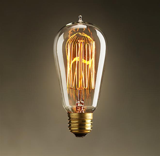 シンプルながらも個性豊かなアンティーク調の電球 EDISON BULB003