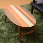 4つの木材がそれぞれの表情を見せる天板 YOGEAR オーバルテーブル