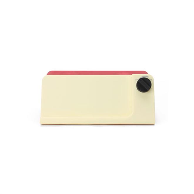 iPhoneがレトロな時計に変身 Retro Touch Speaker004