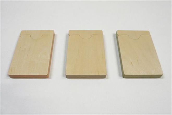 紙と木の合板から作られた名刺入れ FULL SWING CARD CASE004