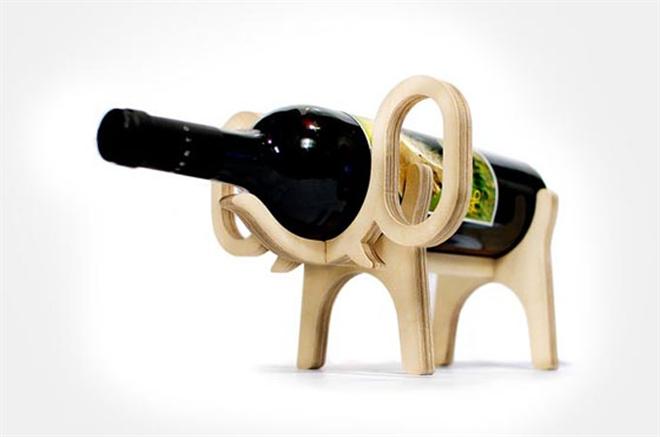 動物がワインをキープ 木製のワインラック Animal's bone004