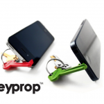カギみたいだけど実はスマートフォンスタンド  Keyprop