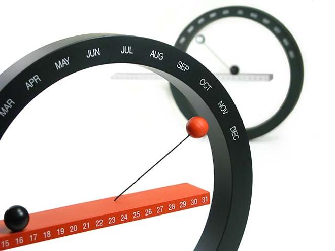 磁石で浮く球と円のカレンダー MoMA Perpetual Calendar004