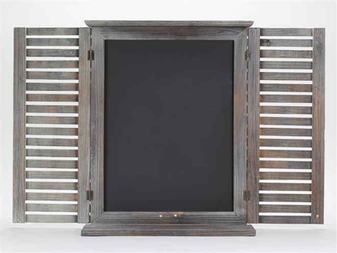窓のように開け閉めできる黒板 Wall Board005