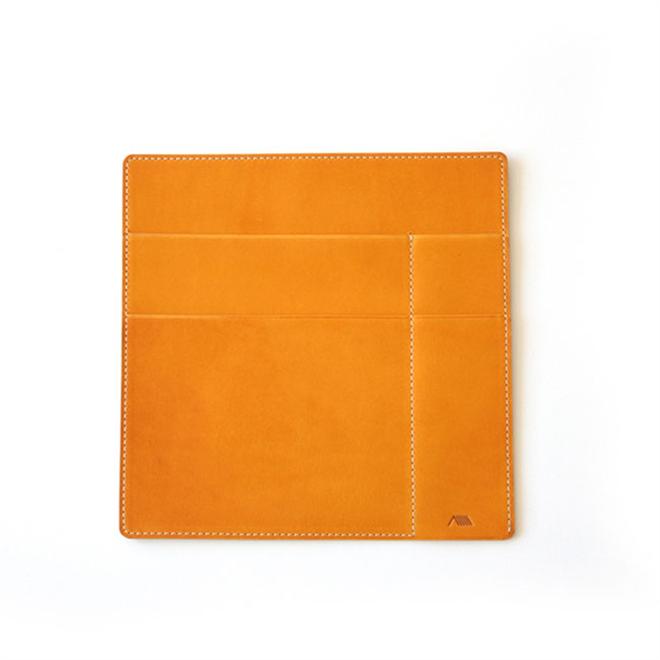 革のケースにノートやペンをまとめて持ち運び YAMASAKI DESIGN WORKS A6ノートケース006