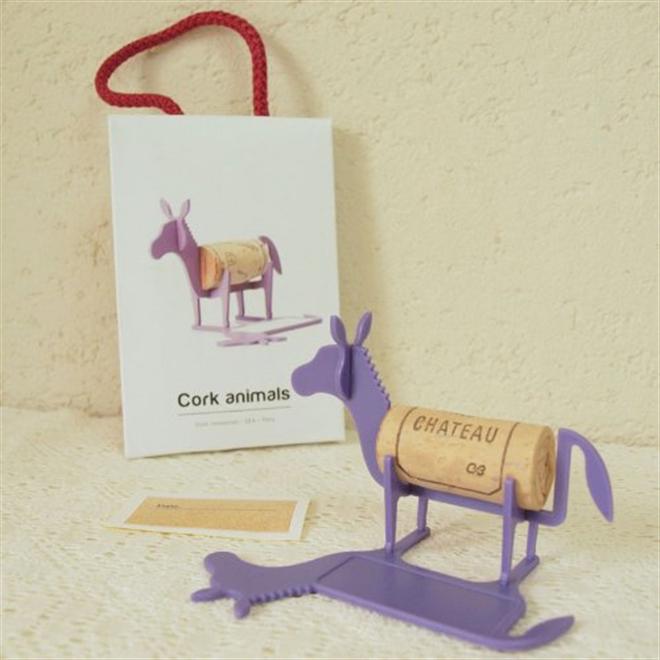 ワインコルクをメッセージとともに記念のインテリアに Cork animals006