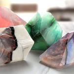 美しい宝石の原石をイメージした石けん サボンジェム