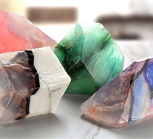 美しい宝石の原石をイメージした石けん サボンジェム007