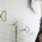 ゼンマイの形をしたネジ込み式の壁掛けフック FUTAGAMI ゼンマイフック 菱型 豆型002