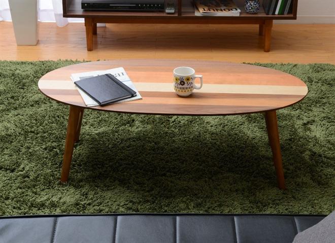 4つの木材がそれぞれの表情を見せる天板 YOGEAR オーバルテーブル 002