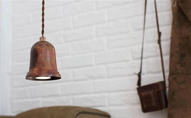 鳴るのではなく光る釣り鐘のようなペンダントライト  APROZ DARTH002