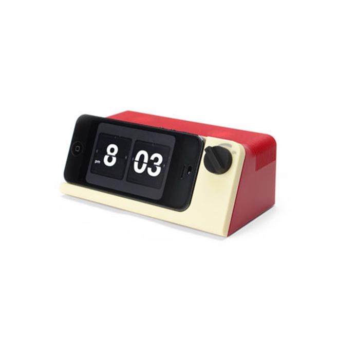 iPhoneがレトロな時計に変身 Retro Touch Speaker003