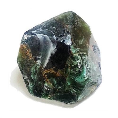 美しい宝石の原石をイメージした石けん サボンジェム006