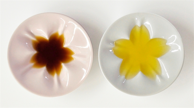 調味量を入れると咲く桜 さくらの形をした小皿 Age Design hiracle001