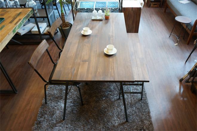 無垢の天然木をオイルフィニッシュで仕上げたダイニングテーブル&チェア BIMAKES SHINBASU DINING002