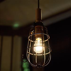 ガレージや作業用照明灯をイメージしたペンダントライト Hand lamp pendant 002