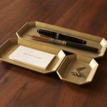 使えば使うほど味が出る 真鍮で作られた鋳物のトレイ FUTAGAMI 文具トレイ