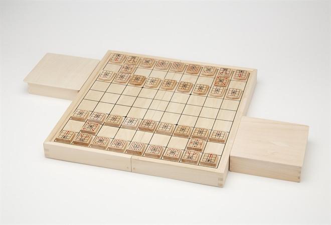 駒の動き方がわかりやすく書かれた将棋駒 NEW スタディ将棋003