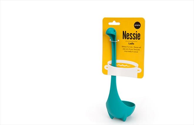 スープの湖からネッシーのお顔がこんにちは ネッシーのお玉 Nessie Ladle004