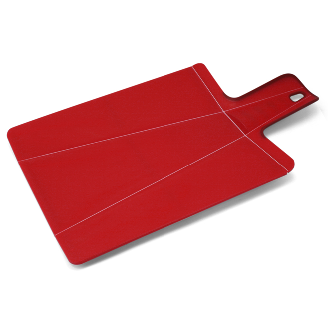切った食材をまな板から直接お鍋にドボン 折れるまな板 JOSEPH JOSEPH チョップツーポットプラス004