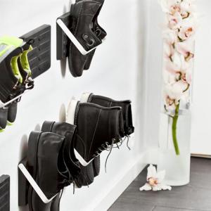 靴を壁に引っ掛けて飾るシューズラック KNAX ZJUP004