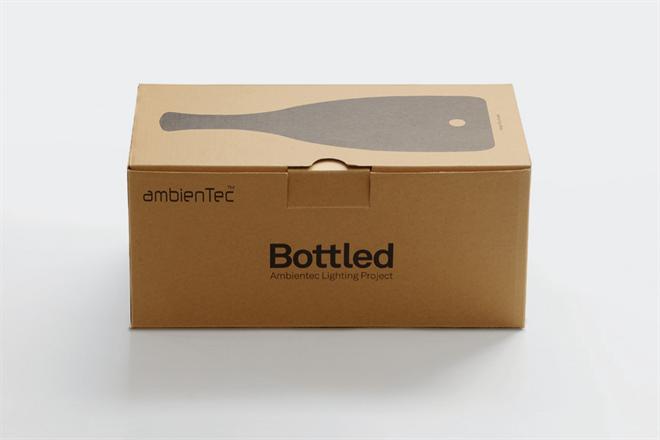 ボトルの形をしたコードレスランプ ambienTec Bottled005