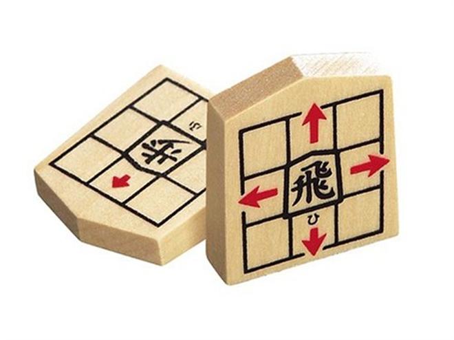 駒の動き方がわかりやすく書かれた将棋駒 NEW スタディ将棋006