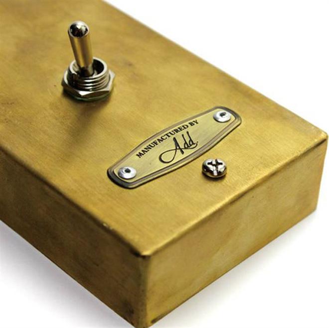 壁に取り付ける照明のスイッチをレトロなトグルスイッチに GoodyGrams Add RUSTY SWITCH BOX001