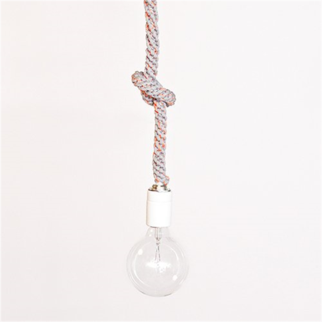 紐のコードを結んで長さを調節するペンダントライト Tricote Knot Pendant Light002